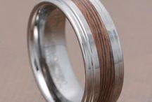 wedding rings / by Leah Mearyl