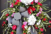 Wreaths / by Laura Baxter-Christopher