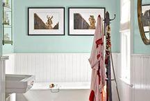 Bathrooms / by Samantha Daggett
