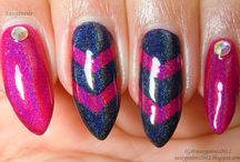 Nails & Maik Up / by Allana Cristina