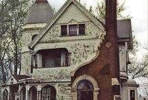 Houses & Barns I Like / by LadyBugsInTheAttic