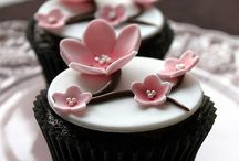 Cake Cupcakes and More / by Hanaki Hickenbottom