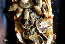 Mmmmm Food / by Mallory Natali
