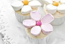 Cakes/cupcakes / by Tiffany Helwig