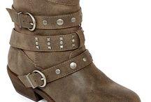 Boots / by Alyson Luno