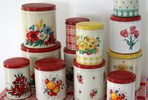 retro kitchen decorations / by Ana Jurca