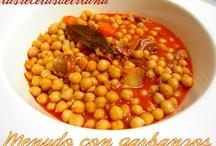 Cocinando rico puchero / by Macarena de Rus