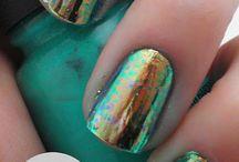 Pretty hair & nails  / by De Anna Smith