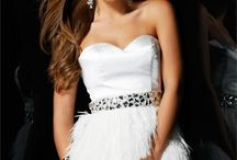 Homecoming / Prom / Amazing Cocktail Dresses & Evening Gowns / by Pey-Guy Marra