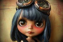 P  o  u  p  é  e / Dolls / by Illy Quiñones