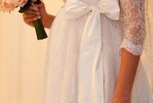 Noivas / Quem não sonha um tiquinho que seja?? <3 amo / by Bianca Oliveira