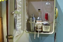 Suitable (Vintage) Suitcases / Love vintage suitcases! / by Donna Kastl