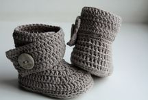 Baby booties patterns & inspiration / by piccolaElle