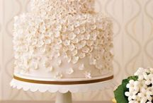 wedding cakes / by Molly Wilson