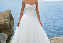 My Dream Wedding <3 / by Cassandra Taylor