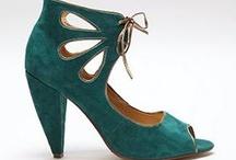Shoes / by Solène Raidron
