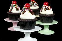 Cupcakes / by Linda Jean Stephenson