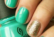 Nails! / by Juli Diaz