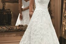 Wedding Dresses / by Jordyn Fones