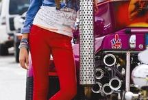 COLOURFUL / Ook deze zomer mogen de kleuren weer gezien worden. Niet alleen de sorbettinten of snoepkleuren, maar ook de felle kleuren zijn hip deze zomer.  / by JeansCentre.nl - Your jeans store