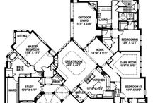 Floor Plans / by Holly Steen