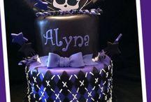 Cake Designs / by Jenna Butler
