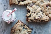 Desserts & Sweets / by Mary Schwartz Ballok