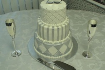 Mom's 25th Wedding Cake / by Lorena Rosales