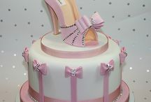 AWESOME CAKES / by Melissa Perez