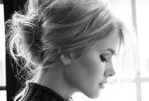 Hair & M/U room / by Tiffani Thiessen