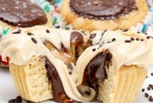 Cupcakes / by Jeannie Dellinger