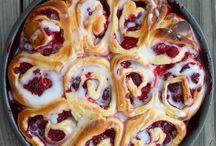 Desserts / by Nina Cammisano