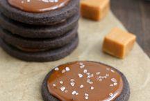 Sweet Tooth - Cookies / by Christina Yamasaki