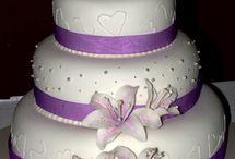 Wedding cakes / by Taryn Henderson