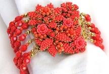 gioie / beate le donne che hanno indossato questi gioielli anche per 10 minuti / by margherita patrizia romana