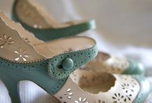 Shoes / by Leslie Varty