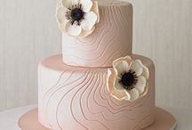 Cakes: Peach / by Bonnie Merchant