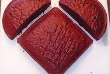 Cakes & Cupcakes / by Dena Box Cutler