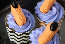 Halloween Treats / Fun Foods for a Spooktacular Halloween celebration! Drinks, snacks, cakes, dips, dinners and more / by Candace Serendipity Mommy