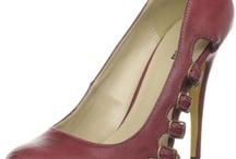 I LOVE Shoes / by Sunni Odunukwe
