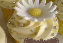 Cupcakes :) / Delish! / by Rachel Dodd