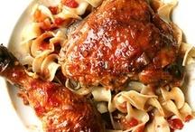 chicken main dishes / by Leann Lindeman