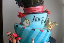 Cakes, Cup cakes & Cookies / Cakes and cup cakes  / by Kattia Reyes