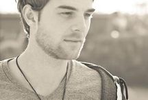 Nathaniel Buzolic / by Babs Pomp