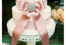 Beautiful cake designs / by Diana Nolan