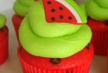 Cupcakes / by Loretta French