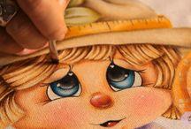 pittura su tessuto / by Federica Peratello