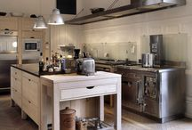 Kitchens / by Sylvia Hunts