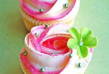 Cupcakes / by Nicole Lentine