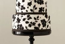 Cakes and cupcakes / by Wedding Favors